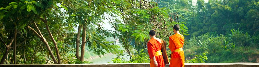 moines bouddhistes luang prabang laos cambodge