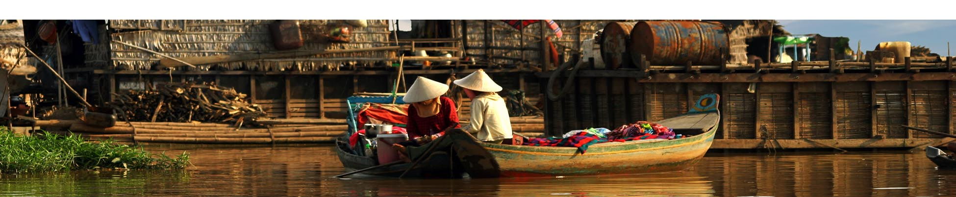 pirogue villages flottants tonle sap cambodge