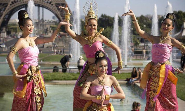 danseuses thailandaises à paris