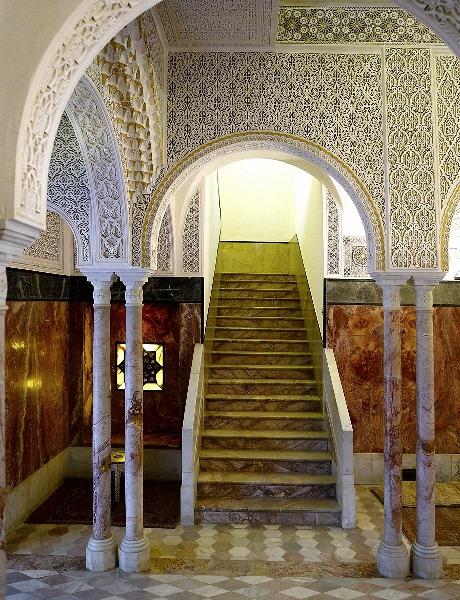 Le palais est inspiré par l'héritage du patrimoine arabo-andalous