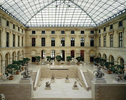 interieur-musee-louvre-ancien-palais-visite-audioguiee