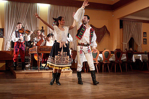 Prague : spectacle folklorique avec dîner