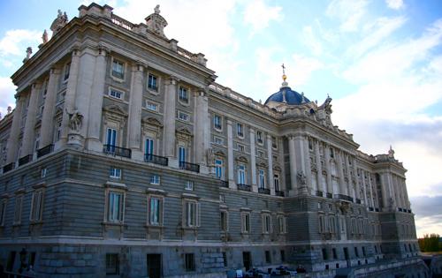 entree-au-palais-royal-et-tour-de-madrid-visite-guidee
