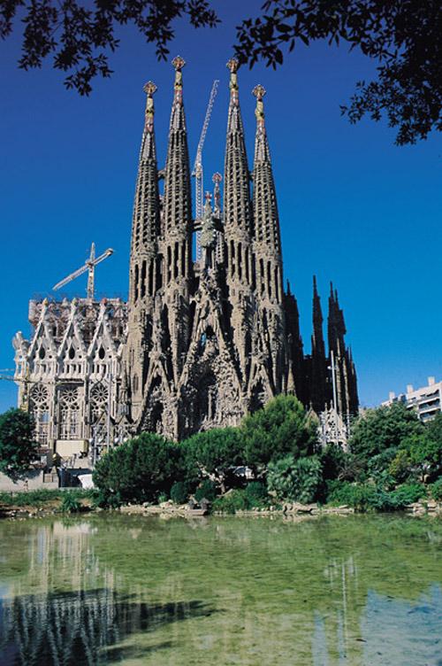Visite guidée à la Sagrada Familia et ses tours avec accès prioritaire