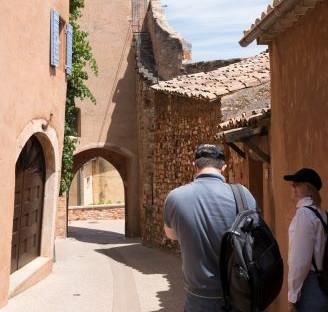 visite-villages-perches-lubron-depart-aix-en-provence
