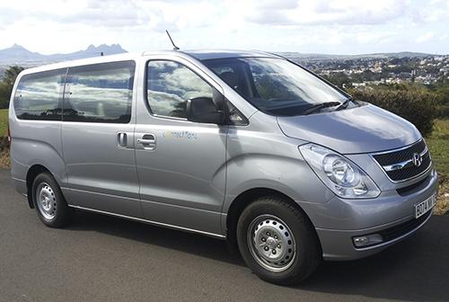 transfert-d-arrivee-et-de-depart-en-minibus-de-luxe