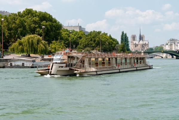 Croisière promenade sur la Seine à bord des Bateaux Parisiens