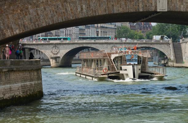 la-seine-croisiere-promenade-bateaux-parisiens