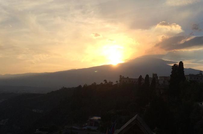 Balade en petit groupe au coucher du soleil sur le mont Etna