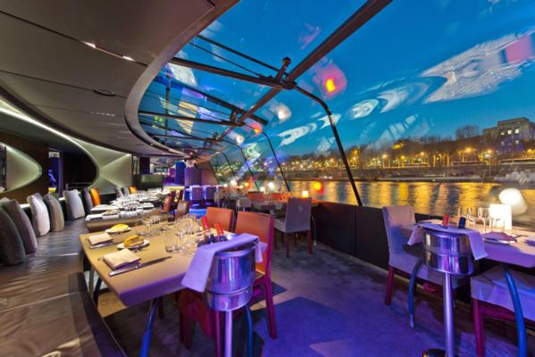 Croisière dîner sur la Seine à 20h30 à bord des Bateaux Parisiens