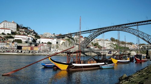 excursion-guidee-a-porto-avec-croisiere-des-six-ponts