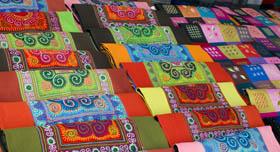 Sac artisanat sur le marché de Bac Ha