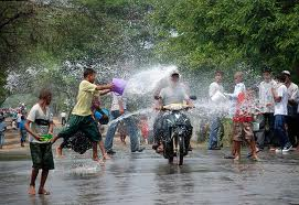 festival eau birman