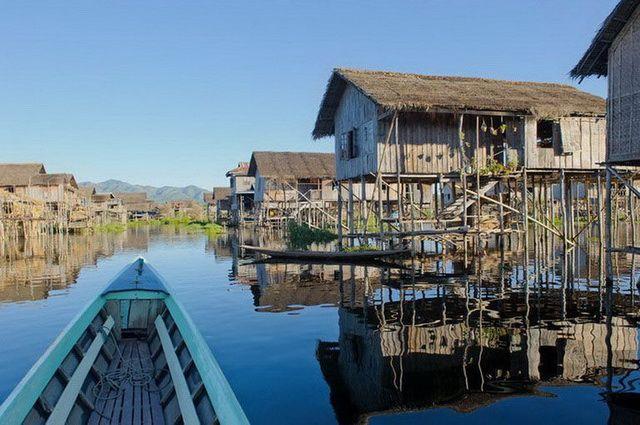 a-birmanie-lac-inle-village-maisons-sur-pilotis-3-go