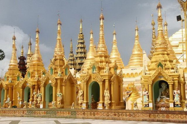 a-birmanie-rangoon-pagode-shwedagon-5-go