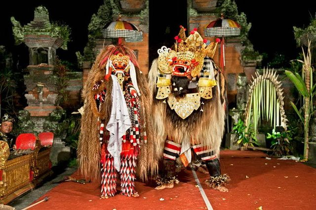 a-indonesie-bali-ubud-danse-go
