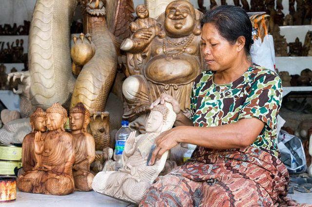 a-indonesie-bali-ubud-sculpture-bois-2-go