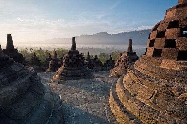 a-indonesie-java-temple-borobudur-12-go