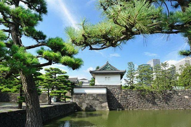 a-japon-tokyo-palais-imperial-go