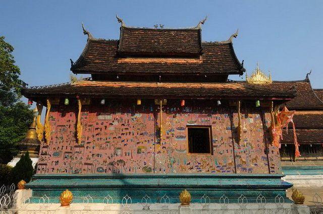a-laos-luang-prabang-temple-wat-xieng-thong-10-go