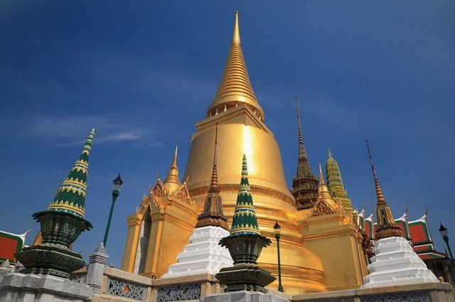 a-thailande-bangkok-grand-palais-wat-phra-kaeo-16-go
