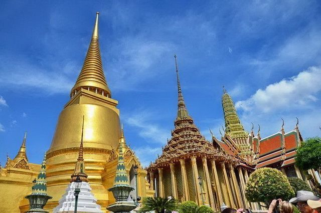 a-thailande-bangkok-grand-palais-wat-phra-kaeo-18-go