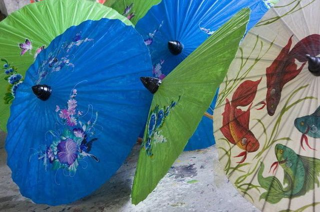 a-thailande-chiang-mai-ombrelles-2-go