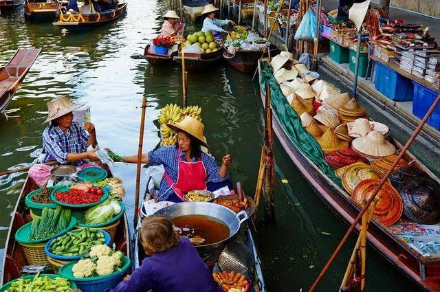 a-thailande-damnoen-saduak-marche-flottant-2-bm