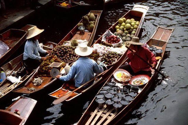 a-thailande-damnoen-saduak-marche-flottant-2-go