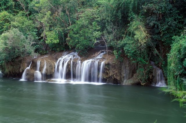 a-thailande-parc-national-sai-yok-1-go