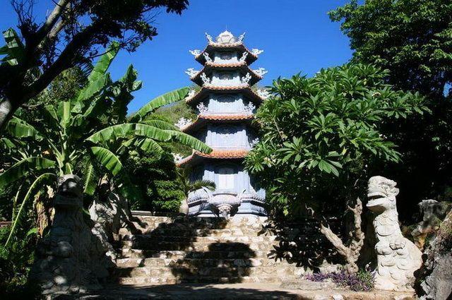 a-vietnam-danang-pagode-go