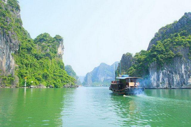 a-vietnam-halong-baie-bateau-1-go