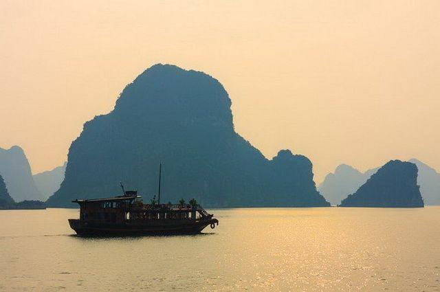 a-vietnam-halong-baie-bateau-2-go