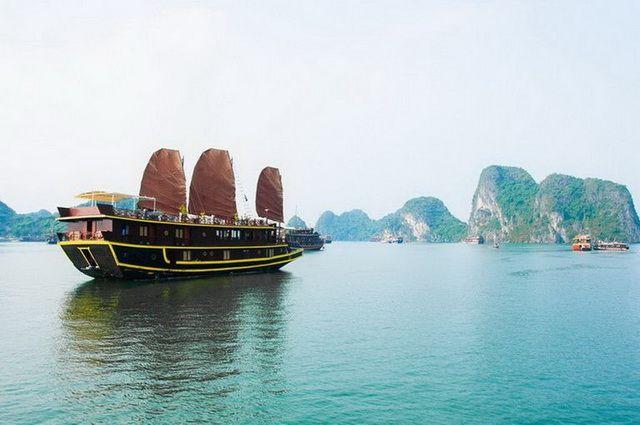 a-vietnam-halong-baie-bateau-jonque-1-go