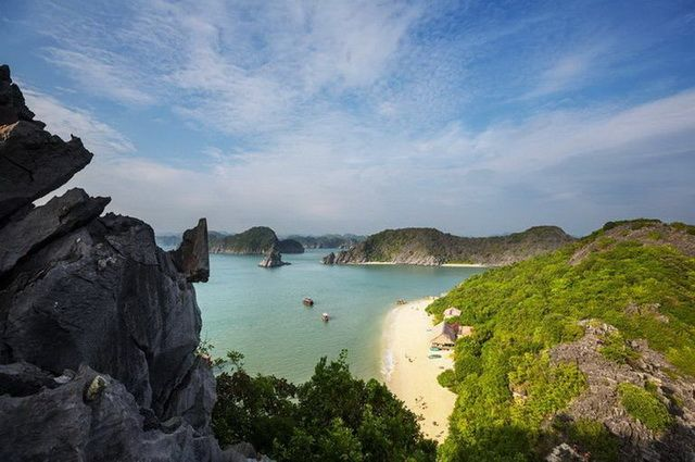 a-vietnam-halong-baie-plage-go