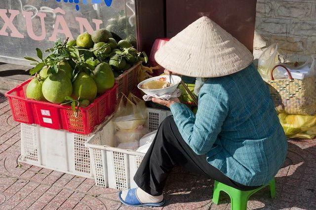 a-vietnam-ho-chi-minh-marche-3-go