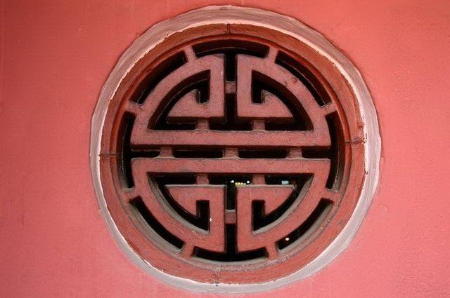 a-vietnam-ho-chi-minh-temple-1-go