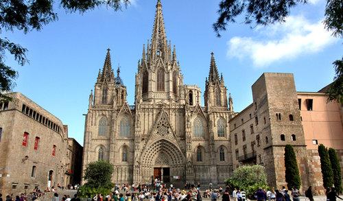 cathedrale-de-barcelone-quartier-gothique