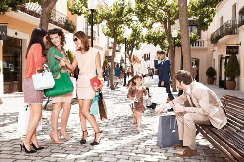 shopping-la-roca-village-excursion-navette-aller-retour