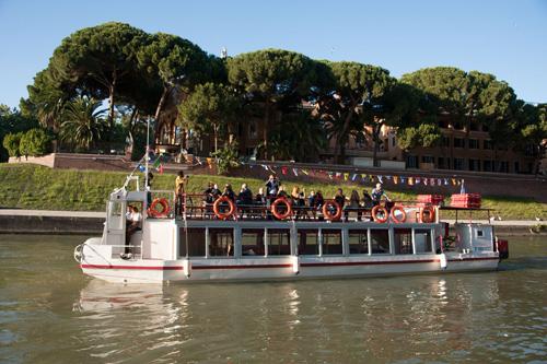 tibre-croisiere-en-bateau-hop-on-hop-off-rome