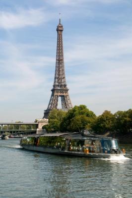 bateaux-parisiens-tour-eiffel-paris-croisiere-dejeuner
